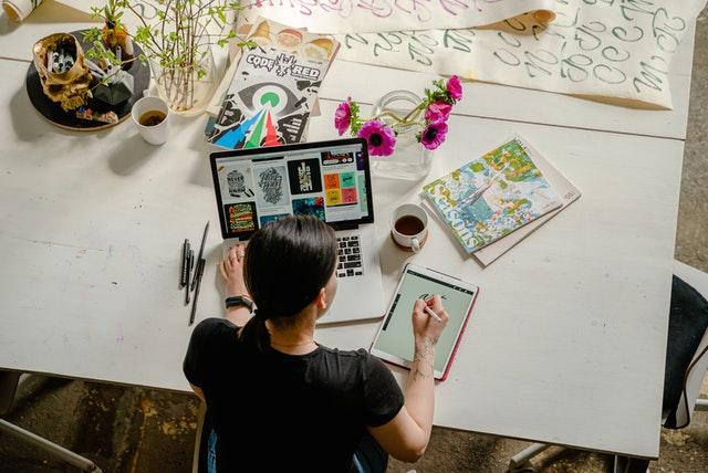 Become A Freelance Graphic Designer
